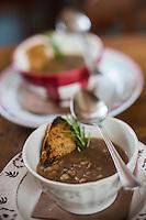 Italie, Val d'Aoste, Val d'Ayas, Brusson:  Crème de Chataigne  recette du restaurant de  l' Hotel Laghetto// Italy, Aosta Valley, Brusson: Chestnut cream recipe restaurant of the Hotel Laghett