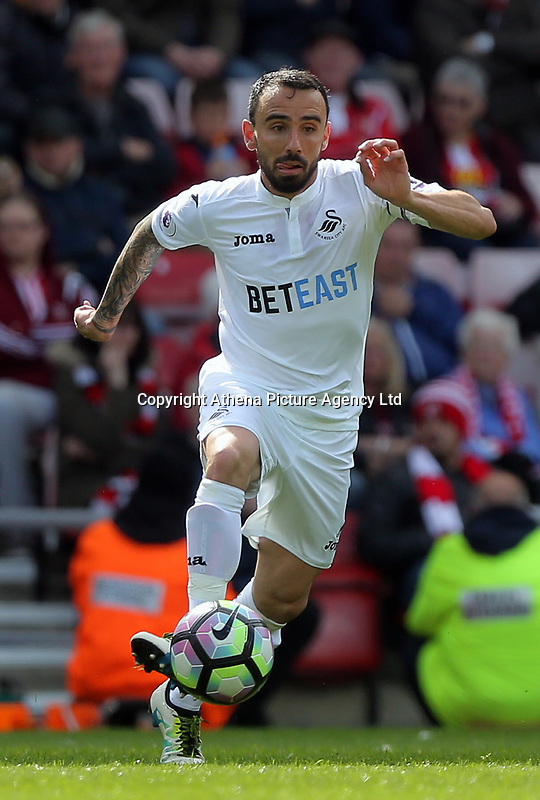 Leon Britton of Swansea City during the Premier League match between Sunderland and Swansea City at the Stadium of Light, Sunderland, England, UK. Saturday 13 May 2017