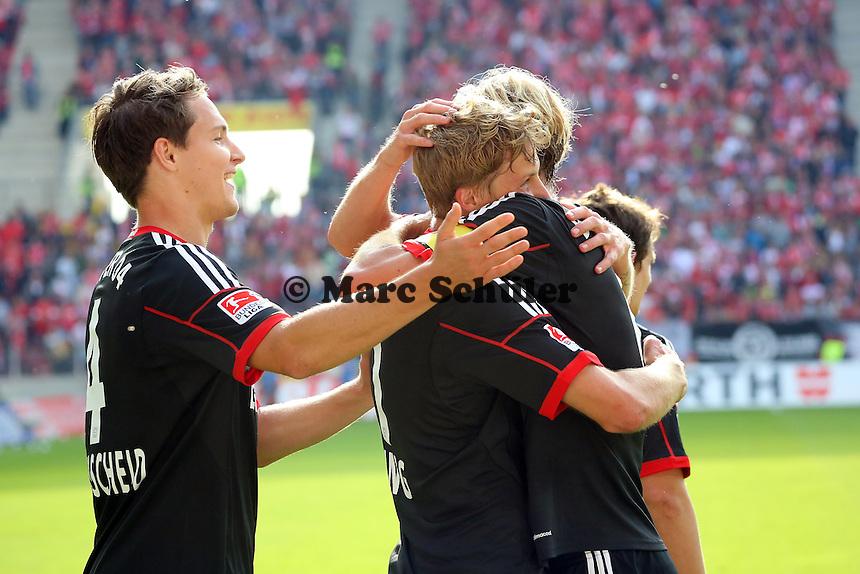 Torjubel Stefan Kießling (Bayer) beim 0:4  mit Philipp Wollscheid und Simon Rolfes - 1. FSV Mainz 05 vs. Bayer 04 Leverkusen, Coface Arena, 6. Spieltag