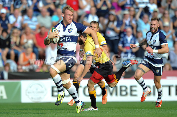 Mitch Eadie goes on the attack. Greene King IPA Championship match, between Bristol Rugby and Cornish Pirates on September 21, 2014 at Ashton Gate in Bristol, England. Photo by: Patrick Khachfe / JMP