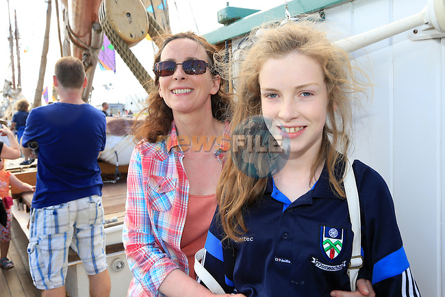 Niamh and Denise McKeown the Irish Maratime festival in Drogheda<br /> Picture:  www.newsfile.ie