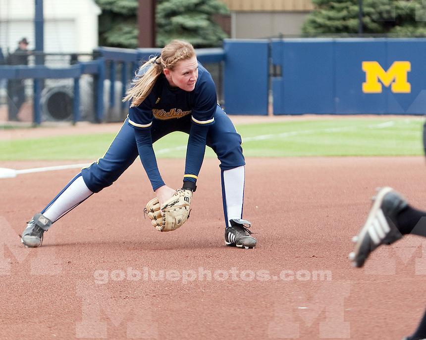 4/18/2010 Softball vs. Northwestern.  U-M won 15-0.