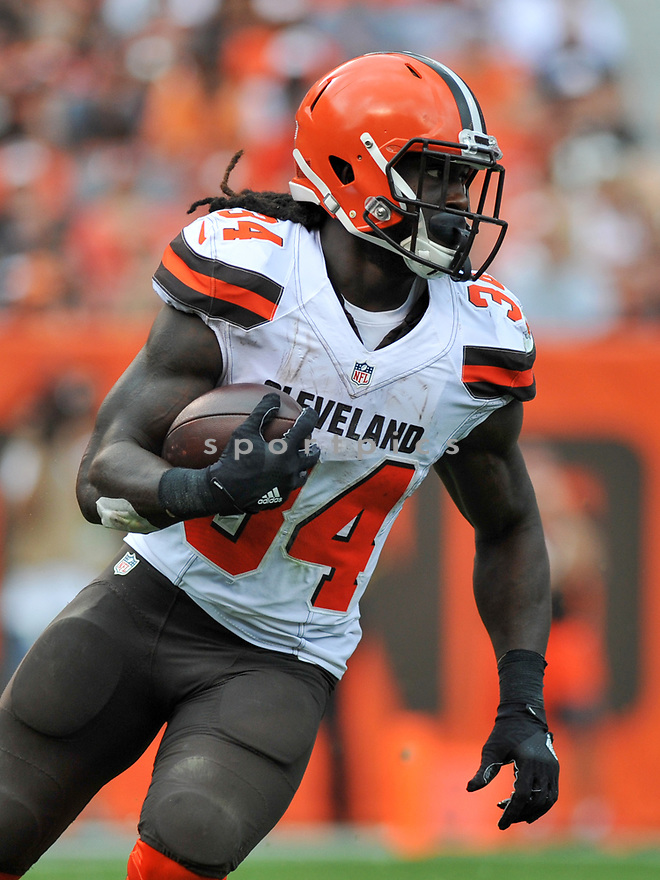 CLEVELAND, OH - JULY 18, 2016: Running back Isaiah Crowell #34 of the Cleveland Browns carries the ball in the third quarter of a game against the Baltimore Ravens on July 18, 2016 at FirstEnergy Stadium in Cleveland, Ohio. Baltimore won 25-20. (Photo by: 2017 Nick Cammett/Diamond Images)  *** Local Caption *** Isaiah Crowell(SPORTPICS)