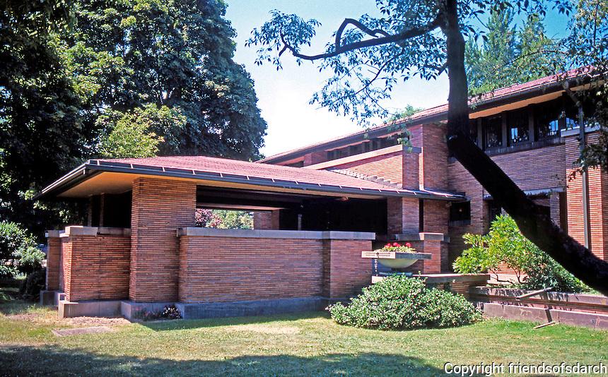 F.L. Wright: Darwin D. Martin House, Buffalo.  3/4 elevation from N.E.  Photo '88.