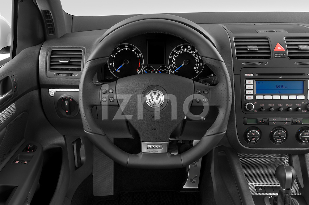 Steering wheel view of a 2008 Volkswagen r32