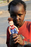 "Afrika Suedsudan Rumbek , Cuibet County , Dinka Maedchen mit Puppe | .Africa South Sudan Rumbek , Dinka girl with doll   .| [ copyright (c) Joerg Boethling / agenda , Veroeffentlichung nur gegen Honorar und Belegexemplar an / publication only with royalties and copy to:  agenda PG   Rothestr. 66   Germany D-22765 Hamburg   ph. ++49 40 391 907 14   e-mail: boethling@agenda-fototext.de   www.agenda-fototext.de   Bank: Hamburger Sparkasse  BLZ 200 505 50  Kto. 1281 120 178   IBAN: DE96 2005 0550 1281 1201 78   BIC: ""HASPDEHH"" ,  WEITERE MOTIVE ZU DIESEM THEMA SIND VORHANDEN!! MORE PICTURES ON THIS SUBJECT AVAILABLE!! ] [#0,26,121#]"