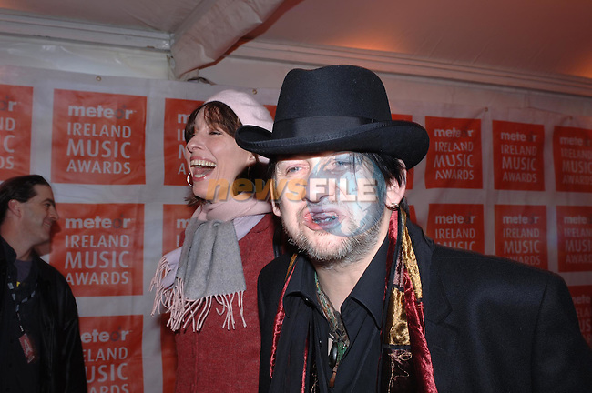 Shane Mc Gowan of the Pogues with Cait O' Riordan at the Meteor Music Awards in the Point Theatre..Photo NEWSFILE/Colin Bell.(Photo credit should read Colin Bell/NEWSFILE)...This Picture has been sent you under the condtions enclosed by:.Newsfile Ltd..the Studio,.Millmount Abbey,.Drogheda,.Co Meath..Ireland..Tel: +353(0)41-9871240.Fax: +353(0)41-9871260.GSM: +353(0)86-2500958.email: pictures@newsfile.ie.www.newsfile.ie.FTP: 193.120.102.198..This picture is from Fran Caffrey@newsfile.ie