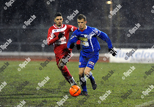 2013-03-28 / Voetbal / seizoen 2012-2013 / KV Turnhout - Temse / Dimitri Agorakis met Geoffry Hairemans (r. Turnhout)..Foto: Mpics.be
