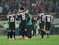BOGOTA- COLOMBIA – 18-03-2015: Los jugadores del Atletico Mineiro de Brasil celebran al final del partido entre Independiente Santa Fe de Colombia y Atletico Mineiro de Brasil, por la segunda fase, grupo 1, de la Copa Bridgestone Libertadores en el estadio Nemesio Camacho El Campin, de la ciudad de Bogota. / The players of Atletico Mineiro of Brasil, celebrate  at the end of the match between Independiente Santa Fe of Colombia and Atletico Mineiro of Brasil for the second phase, group 1, of the Copa Bridgestone Libertadores in the Nemesio Camacho El Campin in Bogota city. Photo: VizzorImage / Luis Ramirez / Staff.