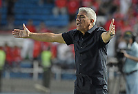 CALI - COLOMBIA-16-02-2019: Octavio Zambrano técnico del Medellin gesticula durante partido por la fecha 5 de la Liga Águila I 2019 entre América de Cali y Deportivo Independiente Medellín jugado en el estadio Pascual Guerrero de la ciudad de Cali. / Octavio Zambrano coach of Medellin gestures during match for the date 5 as part of Aguila League I 2019 between America Cali and Deportivo Independiente Medellin played at Pascual Guerrero stadium in Cali. Photo: VizzorImage / Gabriel Aponte / Staff