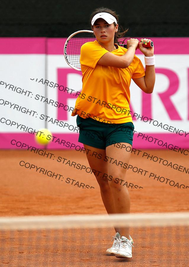 Junior Davis & Fed Cup Barcelona 2012.Semifinals.Australia v Russia.Isabelle Wallace (AUS)-Elizabeta Kulichkova (RUS).Barcelona, 28.09.2012..foto: Srdjan Stevanovic