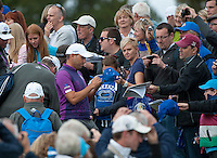 24.09.2014. Gleneagles, Auchterarder, Perthshire, Scotland.  The Ryder Cup.  Sergio Garcia (EUR) signs autographs for fans during his practice round.