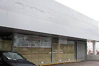 SÃO PAULO, SP, 18.05.2015 - ALUGUEL-SP - Inquilinos de importantes pontos comerciais da cidade entregam as chaves devido a desaceleração da economia e o alto preço dos alugueis. Imagem realizada na Avenida Rebouças, nessa segunda-feira,18.(Foto: Kevin David / Brazil Photo Press).