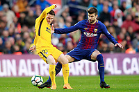 FC Barcelona's Gerard Pique (r) and Atletico de Madrid's Kevin Gameiro during La Liga match. March 4,2018. (ALTERPHOTOS/Acero) /NortePhoto.com NORTEPHOTOMEXICO