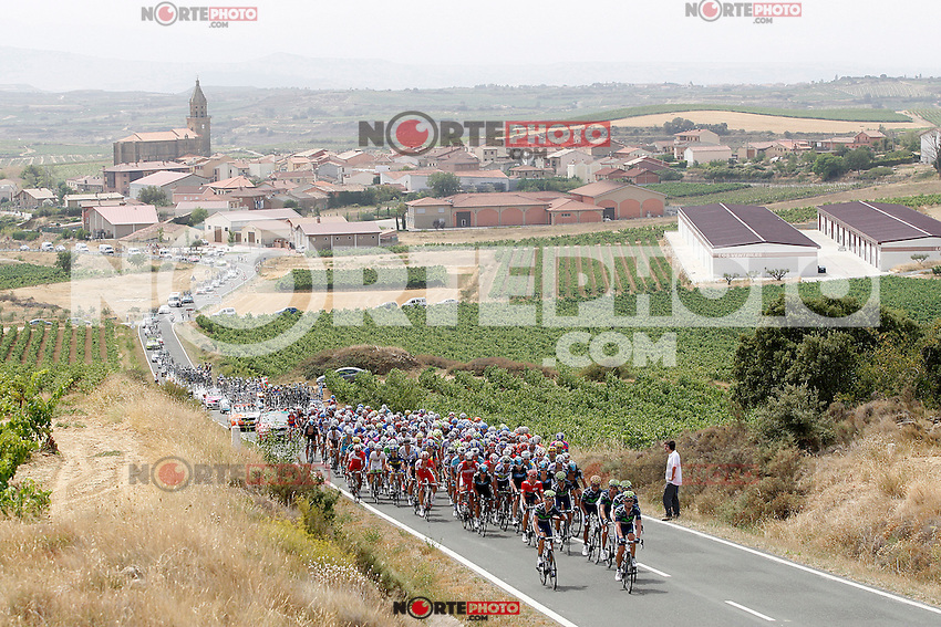 Movistar Team leads the group during the stage of La Vuelta 2012 between Faustino V and Eibar (Arrate).August 20,2012. (ALTERPHOTOS/Paola Otero) /NortePhoto.com<br /> <br /> **CREDITO*OBLIGATORIO** <br /> *No*Venta*A*Terceros*<br /> *No*Sale*So*third*<br /> *** No Se Permite Hacer Archivo**<br /> *No*Sale*So*third*
