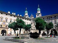 Oesterreich, Salzburger Land, Salzburg: Erzabtei St. Peter und die Tuerme des Doms | Austria, Salzburger Land, Salzburg, Arch Abbey St. Peter and Cathedral's steeples