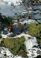 CURITIBA, PR, 16.06.2016 - TURISMO-PR - Vista das Cataratas do Iguaçu localizada entre o Parque Nacional do Iguaçu, Paraná, no Brasil, e o Parque Nacional Iguazú em Misiones, na Argentina, na fronteira entre os dois países  quinta-feira (16) em Foz do Iguaçu (PR). (Foto: Paulo Lisboa/Brazil Photo Press)