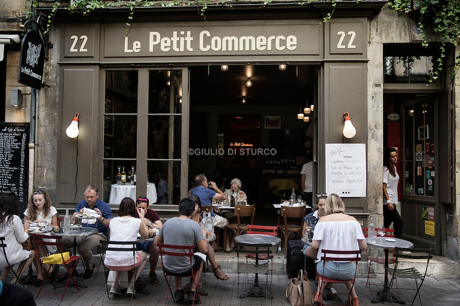 """The terrace of the """" Petit commerce """" , seafood restaurant in St - Pierre district"""