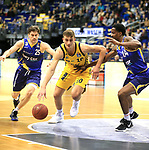 12.02.2019, Mercedes Benz Arena, Berlin, GER, ALBA ERLIN vs.  Basketball Loewen Braunschweig, <br /> im Bild Tim Schneider (ALBA Berlin #10), Joe Rahon (Braunschweig #25), Shaquille Hines (Braunschweig #24)<br /> <br />      <br /> Foto © nordphoto / Engler