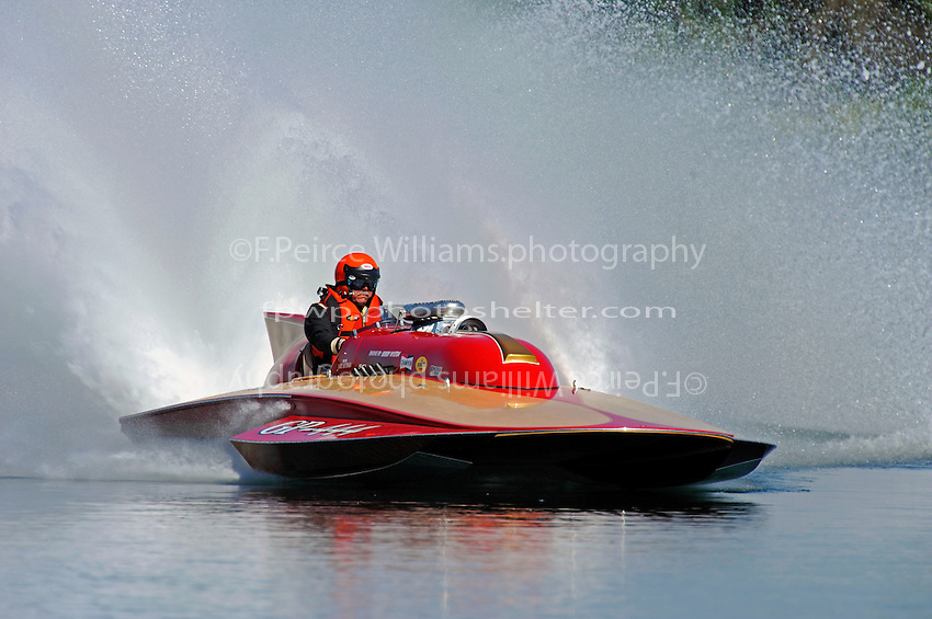 30-31 May, 2009 Eastwood Park Lake, Dayton, Ohio USA .Vintage front engined Lauterbach Grand Prix Hydroplane (race boat) in action. Boat is powered by a supercharged Chevy engine..©F. Peirce Williams 2009 USA.F.Peirce Williams.photography.ref: RAW (.NEF) File Available