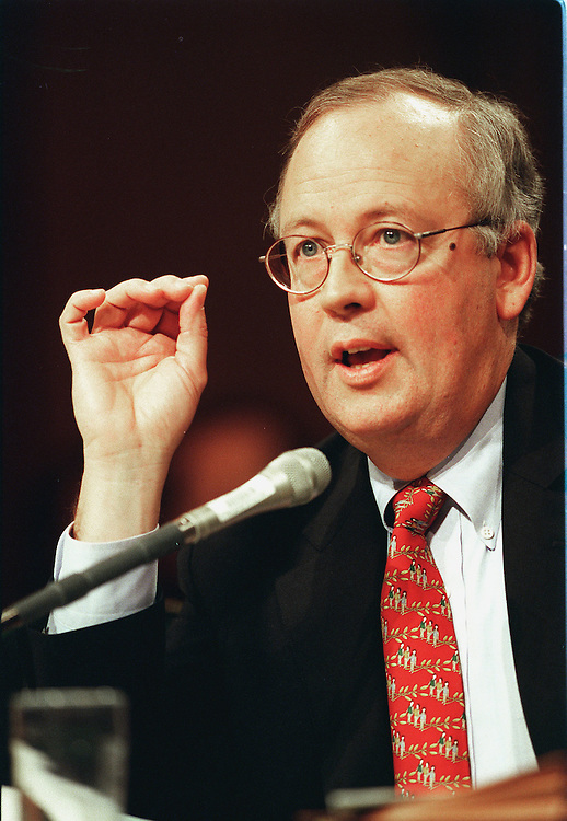 4-14-99.INDEPENDENT COUNSEL ACT--Kenneth W. Starr,  independent counsel, testifies during the Senate  Governmental Affairs Committee hearing on the future of the Independent Counsel Act..CONGRESSIONAL QUARTERLY PHOTO BY DOUGLAS GRAHAM