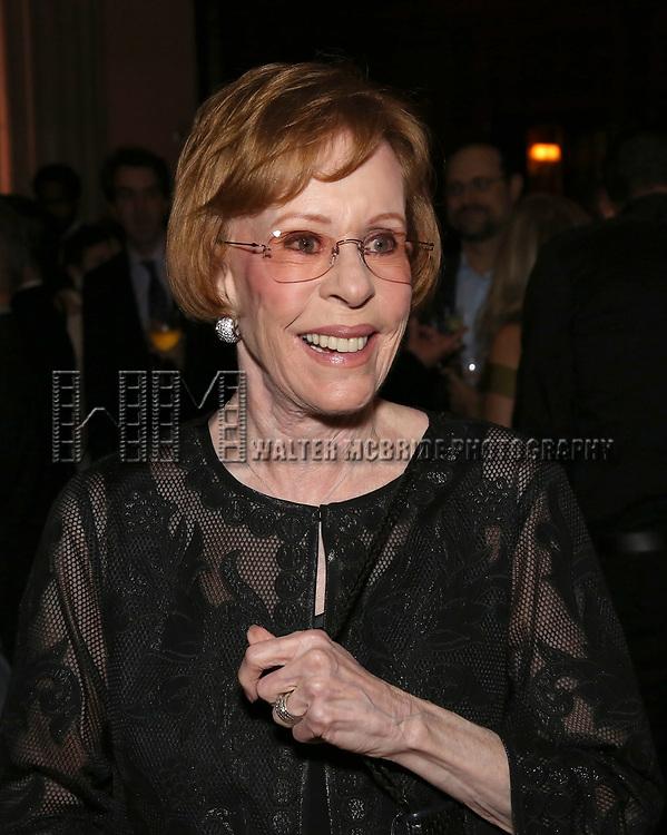 Carol Burnett attends 2017 Dramatists Guild Foundation Gala reception at Gotham Hall on November 6, 2017 in New York City.