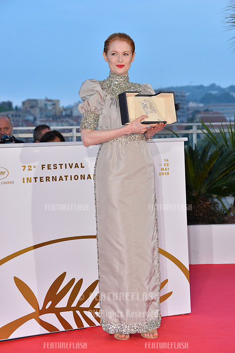 CANNES, FRANCE. May 25, 2019: Emily Beecham at the Palme d'Or Awards photocall at the 72nd Festival de Cannes.<br /> Picture: Paul Smith / Featureflash