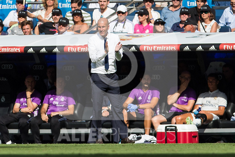 Real Madrid's coach Zinedine Zidane during the match of La Liga between Real Madrid and Club Atletico Osasuna at Santiago Bernabeu Estadium in Madrid. September 10, 2016. (ALTERPHOTOS/Rodrigo Jimenez)