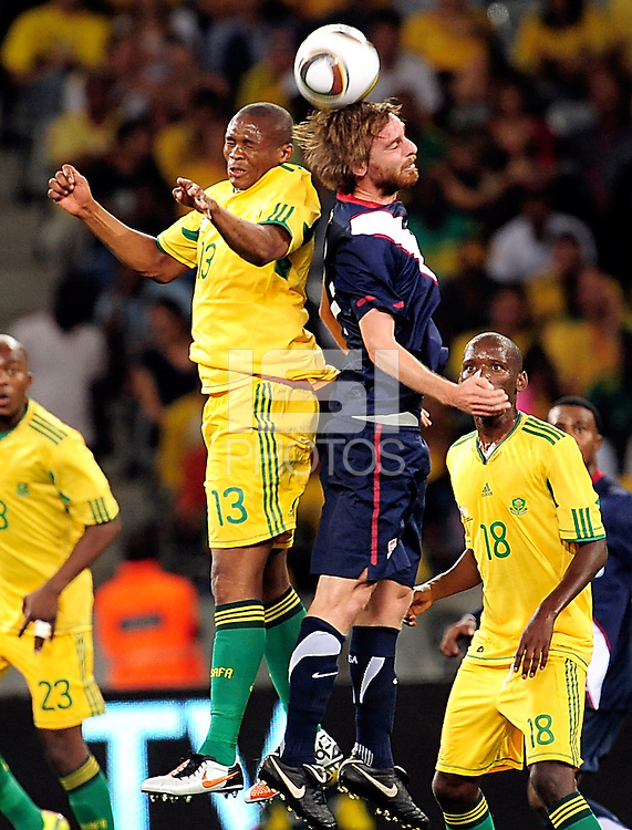 11 Eddie Gaven of the US during the  Soccer match between South Africa and USA played at the Greenpoint in Cape Town South Africa on 17 November 2010.  Photo: Gerhard Steenkamp/ISI Photo