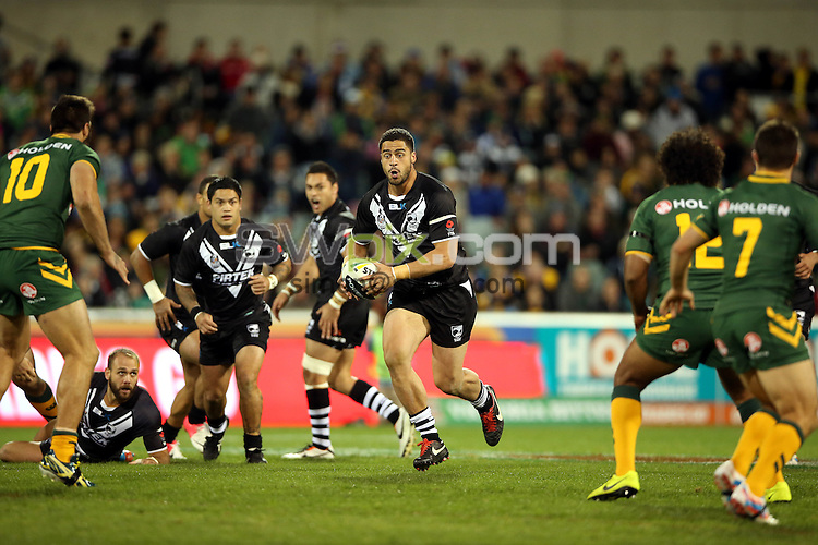 Kangaroos v Kiwis. ANZAC League Test. Canberra Stadium, Canberra, Australia. Friday 19 April 2013. Photo: Paul Seiser/Photosport.co.nz