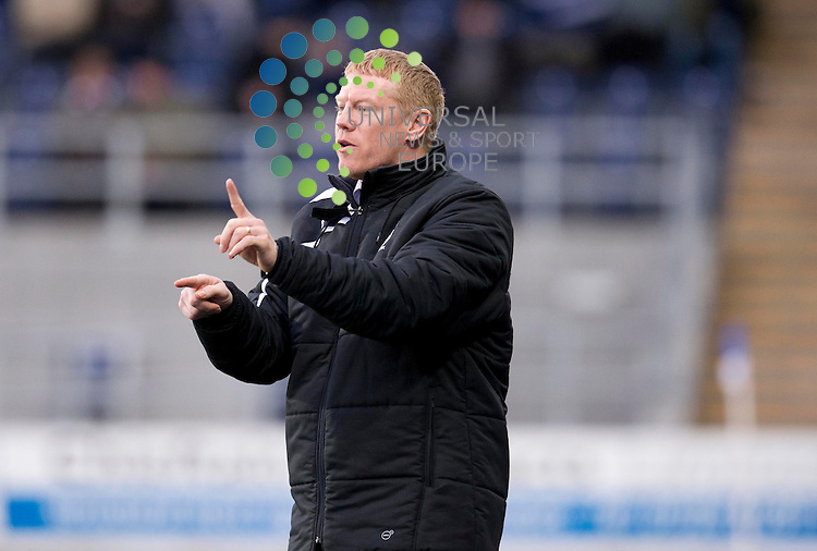 Falkirk manager Gary Holt shouts out instructions to his team during the Scottish Championship match between Falkirk and Alloa at The Falkirk Stadium, Falkirk. 28 December 2013. Picture by Ian Sneddon / Universal News and Sport (Scotland). All pictures must be credited to www.universalnewsandsport.com. (Office) 0844 884 51 22.