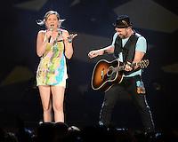 WEST PALM BEACH - JULY 29:  Jennifer Nettles and Kristian Bush of Sugarland perform at the Cruzan Amphitheatre on July 29, 2012 in West Palm Beach, Florida. &copy;&nbsp;mpi04/MediaPunch Inc *NOrtePhoto.com<br /> <br /> **SOLO*VENTA*EN*MEXICO**<br />  **CREDITO*OBLIGATORIO** *No*Venta*A*Terceros*<br /> *No*Sale*So*third* ***No*Se*Permite*Hacer Archivo***No*Sale*So*third*&Acirc;&copy;Imagenes*con derechos*de*autor&Acirc;&copy;todos*reservados*.