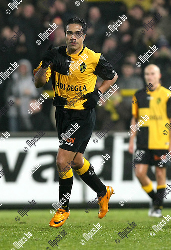 2010-01-16 / Voetbal / seizoen 2009-2010 / Lierse SK - OH Leuven / Mohamed Abdelwahed na zijn 2-0...Foto: mpics