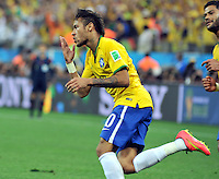 SAO PAULO - BRASIL -12-06-2014. Neymar jugador de Brasil celebra un gol anotado a Croacia durante partido del Grupo A de la fase inicial jugado en el estadio Arena Corinthians en Sao Paulo por la Copa Mundial de la FIFA Brasil 2014./ Neiyar player of Brazil celebrates the goal scored to Croatia during the match of Group A of the initial phase played at Arena Corinthians in Sao Paulo for the 2014 FIFA World Cup Brazil. Photo: VizzorImage / Alfredo Gutiérrez / Cont
