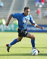 24 October 2004:  Ramiro Corrales of Earthquakes in action against Wizards at Spartan Stadium in San Jose, California.   Earthquakes defeated Wizards, 2-0.  Credit: Michael Pimentel / ISI