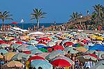 Guardasol na Praia do Arpoador. Ipanema. Rio de Janeiro. 2014. Foto de Rogerio Reis.