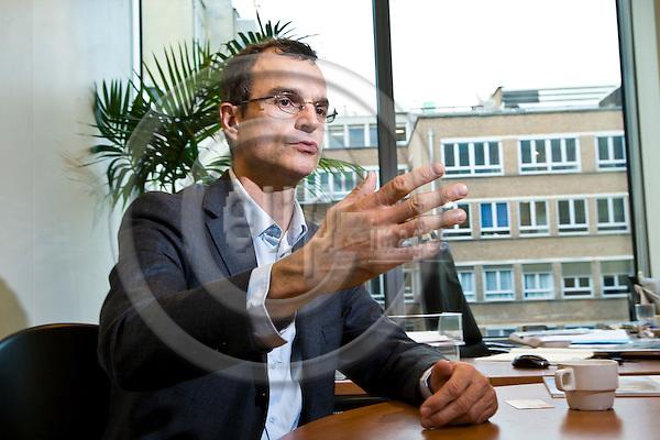 BRUSSELS - BELGIUM - 09 NOVEMBER 2011 -- Thierry PHILIPPONNAT, Secretary General of the NGO Finance Watch. -- PHOTO: Juha ROININEN /  EUP-IMAGES