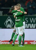 USSBALL   1. BUNDESLIGA    SAISON 2012/2013    10. Spieltag   Werder Bremen - FSV Mainz 05                             04.11.2012 JUBEL Werder, Torschuetze zum 2-1 Aaron Hunt (re) umarmt von Marko Arnautovic