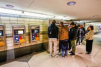 NOVA YORK, EUA, 21.04.2019 - TRANSPORTE-NOVA YORK - Movimentação para compra de bilhete de metro no primeiro dia apos aumento das tarifas . (Foto: Vanessa Carvalho/Brazil Photo Press)