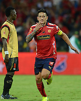 MEDELLÍN -COLOMBIA-23-11-2014. German Cano (Der) jugador de Independiente Medellín celebra el segundo gol de su equipo anotado a Aguilas Pereira durante partido por la fecha 3 de los cuadrangulares semifinales de la Liga Postobón II 2014 jugado en el estadio Atanasio Girardot de la ciudad de Medellín./ German Cano (R) player of Independiente Medellin celebrates the second goal of his team scored to Aguilas Pereira during the match for the  third date of the semifinal quardrangular of Postobon League II 2014 at Atanasio Girardot stadium in Medellin city. Photo: VizzorImage/Luis Ríos/STR