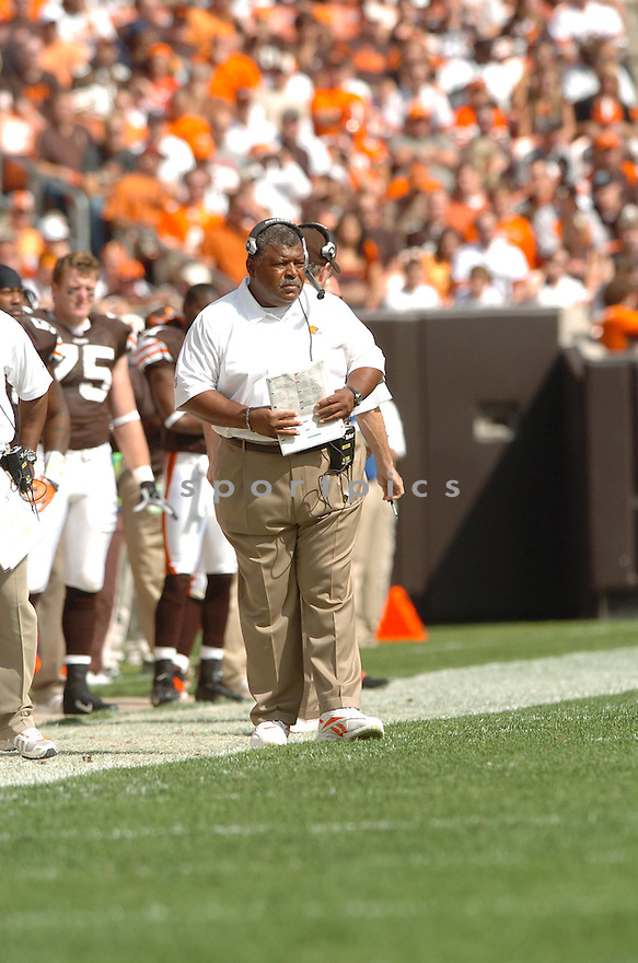 ROMEO CRENNEL, of the Cleveland Browns, in action during the Browns games against the Baltimore Ravens , in Cleveland, OH on September 30, 2007.  ..The Browns won the game 27-13...COPYRIGHT / SPORTPICS..........