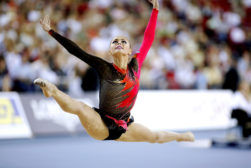 September 27, 2003; Budapest, Hungary; Rhythmic gymnastic star ALINA KABAEVA of Russia wins All-Around title at 2003 World Championships.<br />