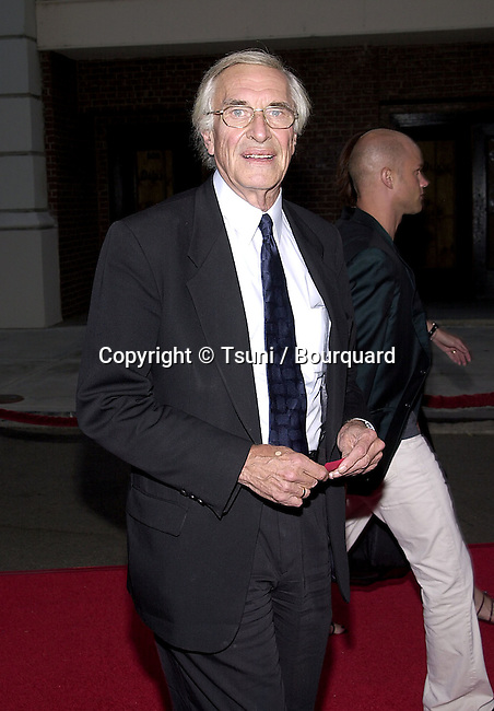 Martin Landau arriving at the TNT movie premiere of James Dean on the  Warner Studio Theatre in Los Angeles. July 25, 2001<br /> &copy; Tsuni          -            LandauMartin01.jpg