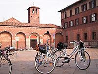 Biciclette davanti alla basilica di Sant'Ambrogio a Milano..Bikes in front of Basilica of Sant'Ambrogio