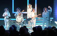 """Jubiläumsgala 20 JAHRE FUSSBALL EINHEIT - Congresscenter Leipzig - DFB  - im Bild: Musikgruppe """"Polarkreis 18"""" .Foto: Norman Rembarz ."""