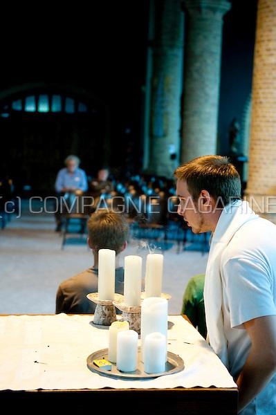 De Pijn Van De Prooi workshop directed by Jef Mellemans at the Spots Op West theatre festival in Westouter (Belgium, 09/07/2009)