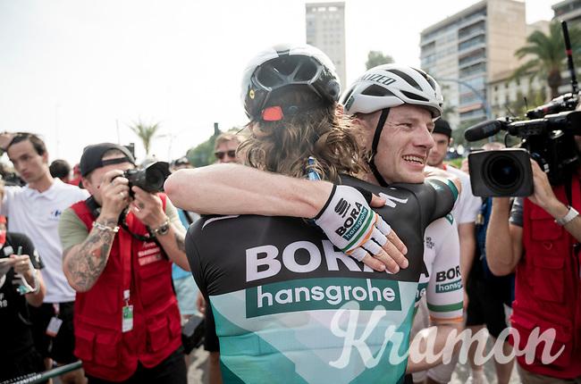 Sam Bennett (IRL/Bora-Hansgrohe) wins the bunch sprint into Alicante & is congratulated by teammate Shane 'The Mullet' Archbold (NZL/Bora-Hansgrohe)<br /> <br /> Stage 3: Ibi. Ciudad del Juguete to Alicante (188km)<br /> La Vuelta 2019<br /> <br /> ©kramon