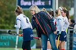 AMSTELVEEN -  coach Nettie van Maasakker (SCHC) met Suzanne Homma (SCHC) tijdens de competitie hoofdklasse hockeywedstrijd dames, Pinoke-SCHC (1-8) . COPYRIGHT KOEN SUYK