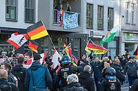 Ca. 1000 Neonazis, Skinheads und Hooligans demonstrierten am Tag der Deutschen Einheit in Berlin unter dem Motto &quot;Wir fuer Deutschand - Merkel muss weg&quot; in Berlin.<br /> Im Bild: Anwohner an der Aufmarschroute haben ein Transparent gegen die Nazis am Balkon aufgehaengt.<br /> 3.10.2018, Berlin<br /> Copyright: Christian-Ditsch.de<br /> [Inhaltsveraendernde Manipulation des Fotos nur nach ausdruecklicher Genehmigung des Fotografen. Vereinbarungen ueber Abtretung von Persoenlichkeitsrechten/Model Release der abgebildeten Person/Personen liegen nicht vor. NO MODEL RELEASE! Nur fuer Redaktionelle Zwecke. Don't publish without copyright Christian-Ditsch.de, Veroeffentlichung nur mit Fotografennennung, sowie gegen Honorar, MwSt. und Beleg. Konto: I N G - D i B a, IBAN DE58500105175400192269, BIC INGDDEFFXXX, Kontakt: post@christian-ditsch.de<br /> Bei der Bearbeitung der Dateiinformationen darf die Urheberkennzeichnung in den EXIF- und  IPTC-Daten nicht entfernt werden, diese sind in digitalen Medien nach &sect;95c UrhG rechtlich geschuetzt. Der Urhebervermerk wird gemaess &sect;13 UrhG verlangt.]