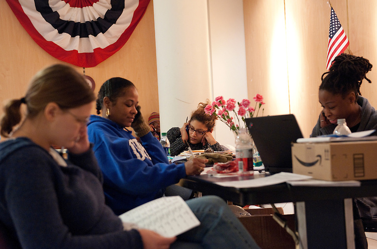 UNITED STATES - FEBRUARY 12:  From left, Michelle Reynolds, Nicole Ikner, Constance Johnson, Marissa Clark, and Mandi Lewis, work the phones at President Barack Obama's campaign office in Cleveland, Ohio. (Photo By Tom Williams/CQ Roll Call)